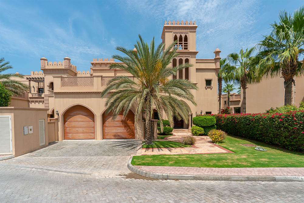 4-Bedroom-Canal-Cove-Villa-Palm-Jumeirah-Kennedy-Towers