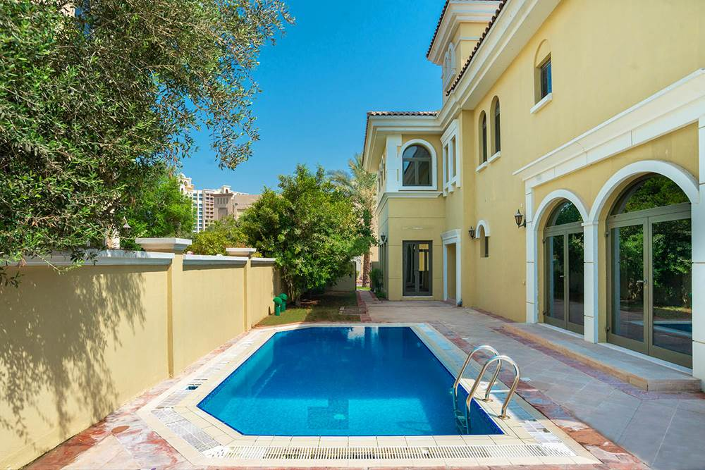 Kennedy Towers Palm Jumeirah Frond P Pool Area