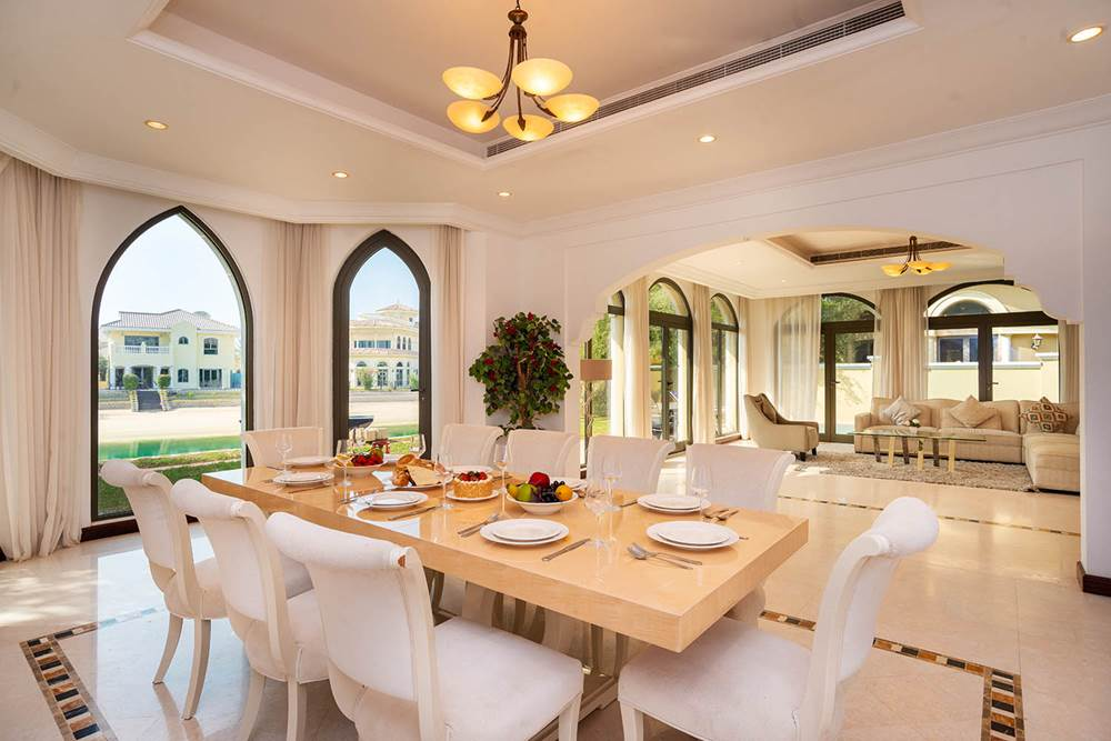 Kennedy Towers Palm Jumeirah Frond P Dining and Living Area