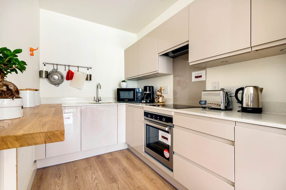 Kennedy Towers Canary Wharf Apartment