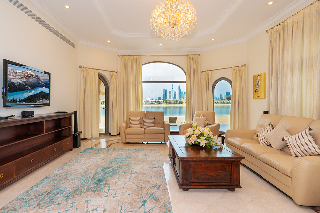 5-Bedroom-Villa-Frond-L-Palm-Jumeirah-Kennedy-Towers