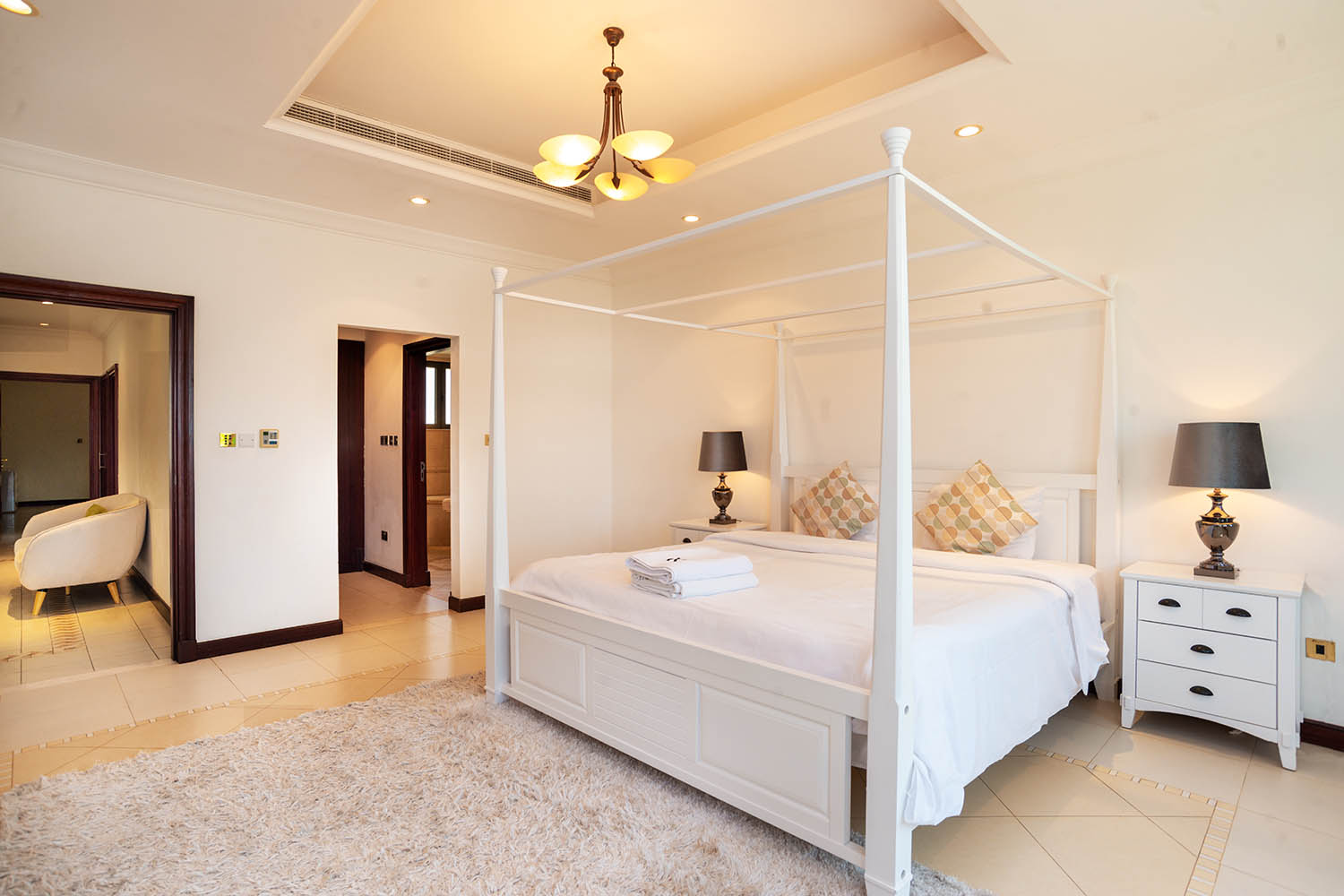 Kennedy-Towers-Palm-Jumeirah-Frond-P-Masters-Bedroom.jpg