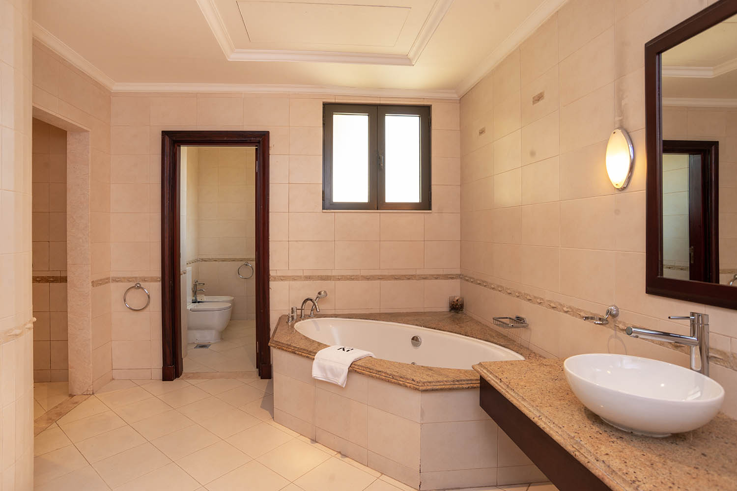 Kennedy Towers Palm Jumeirah Frond P Masters Bedroom Bathroom